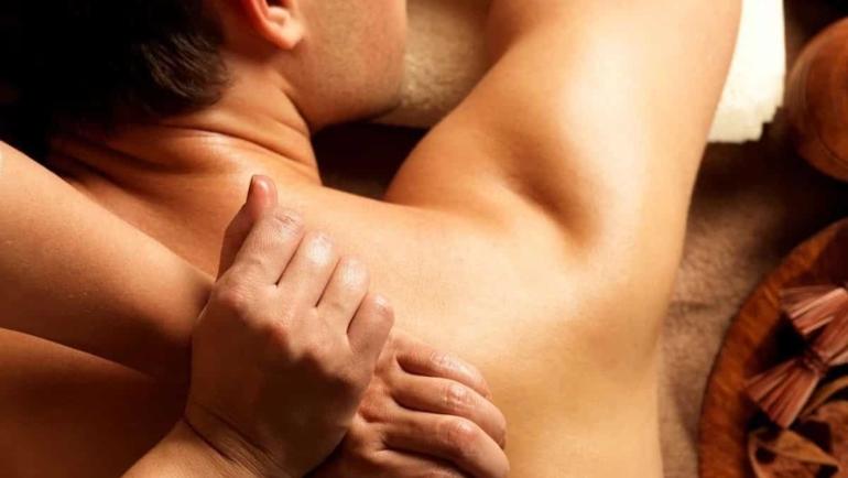 Massaggio Nuru